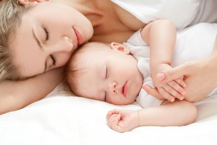 """""""Moje dziecko nie chce spać w nocy!"""" Mylenie dnia z nocą u noworodków."""