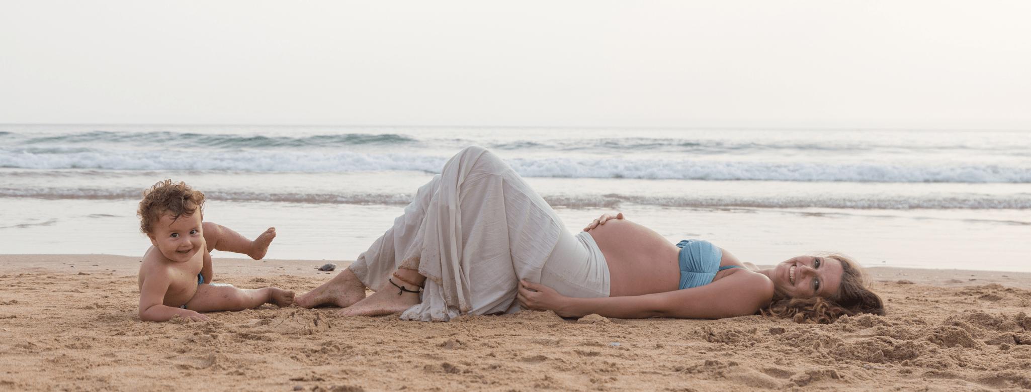 Lato z brzuszkiem – czyli jak cieszyć się ciepłymi dniami będąc w ciąży